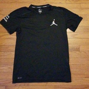 Nike x Air Jordan Running Shirt Medium 🔥